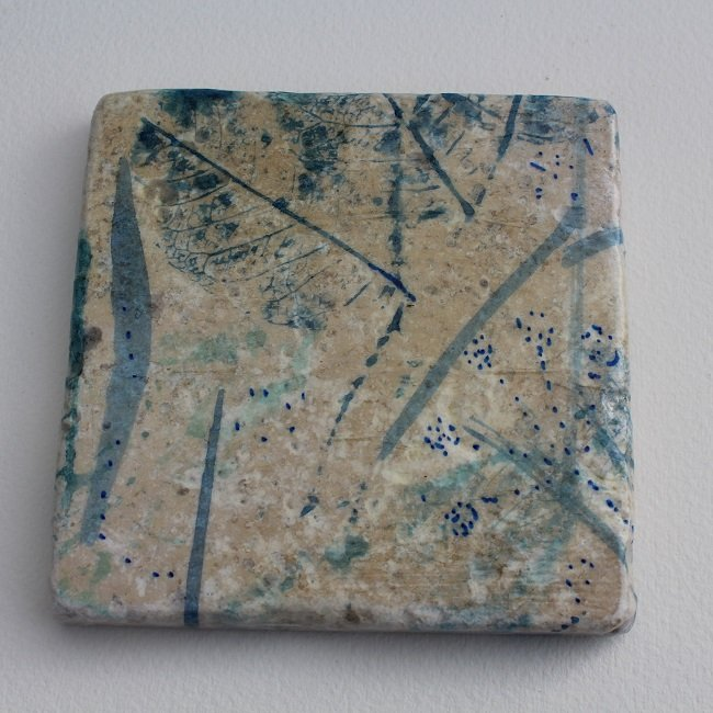 Art coaster of blue flowers design